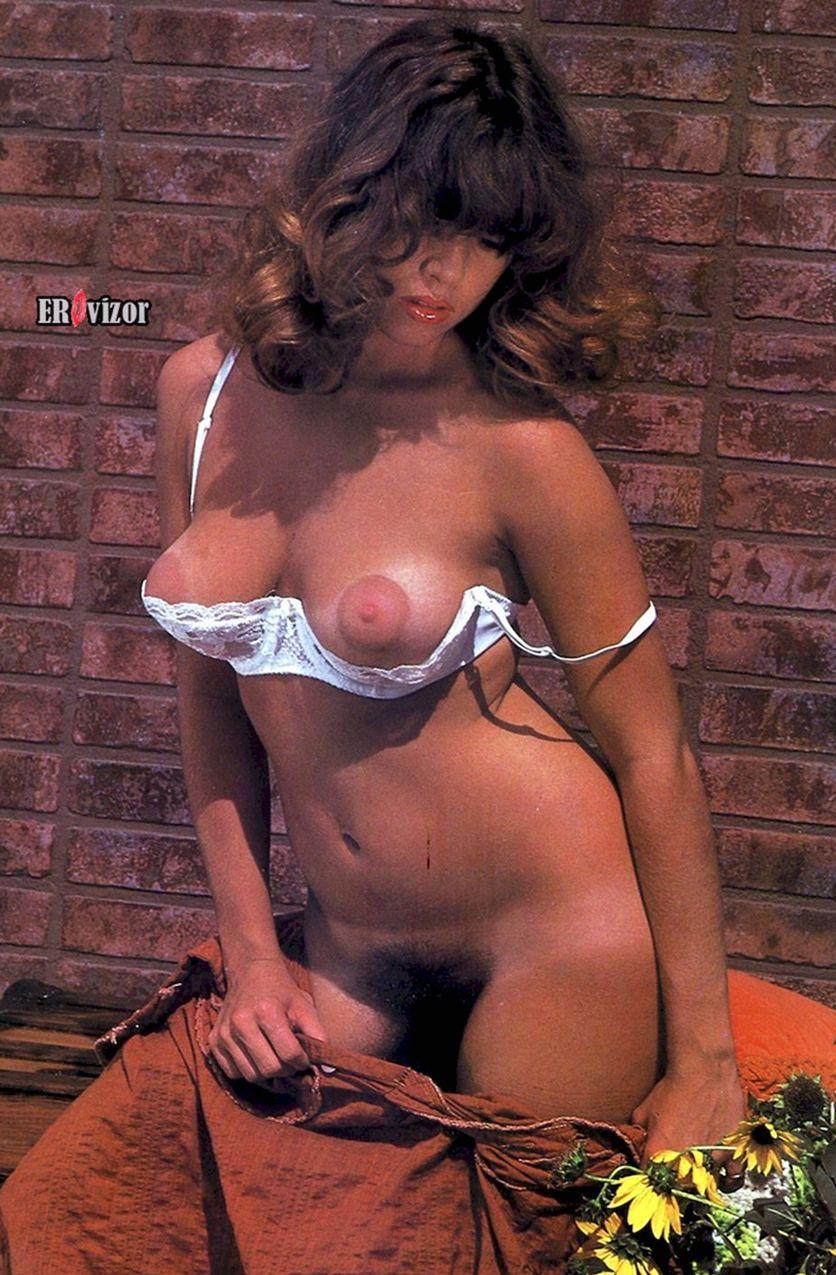 сексуальная грудь в лифчике