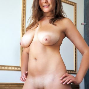 Brunette-Mandy-A-with-Big-Naturals-from erovizor (5)