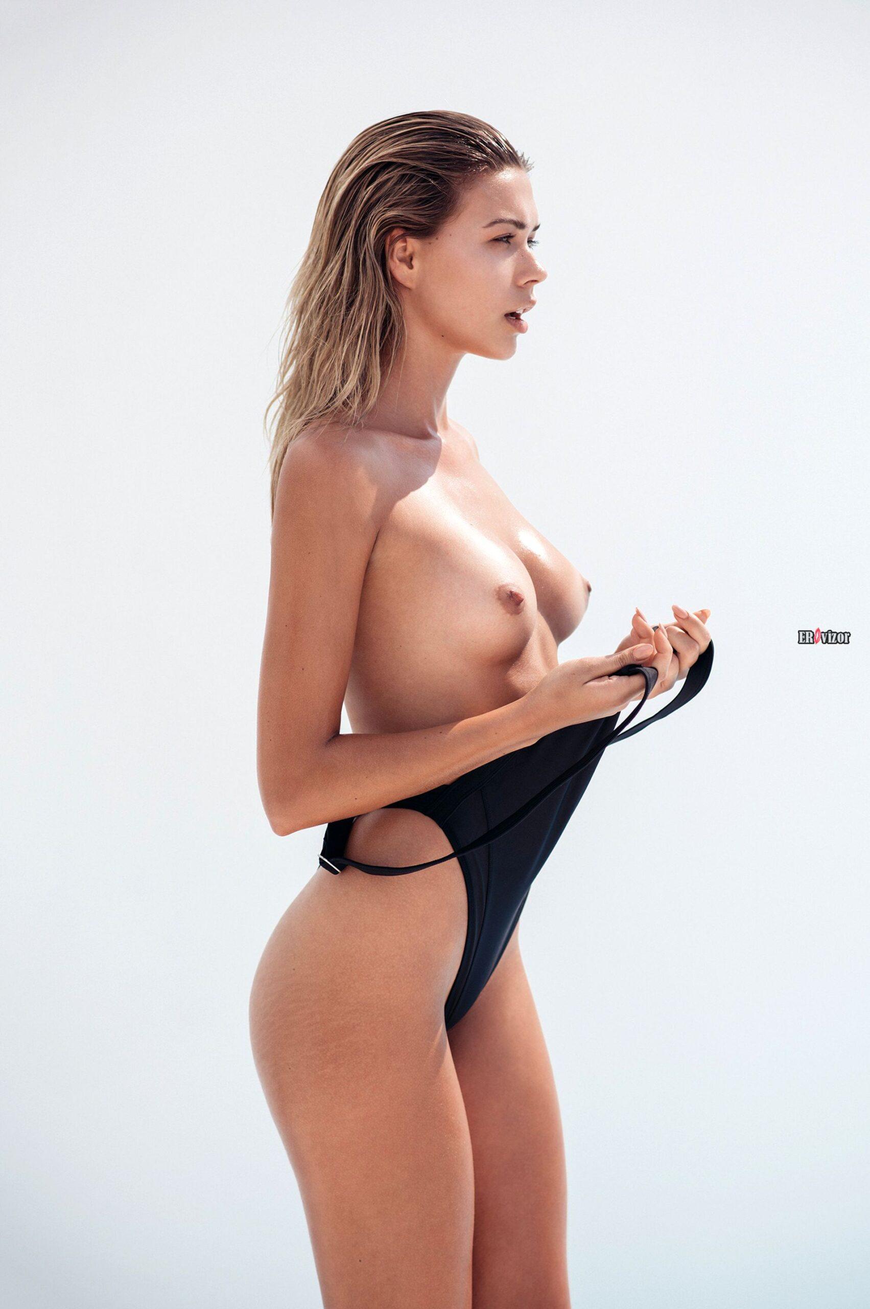 Польская модель Sandra Kubicka голая