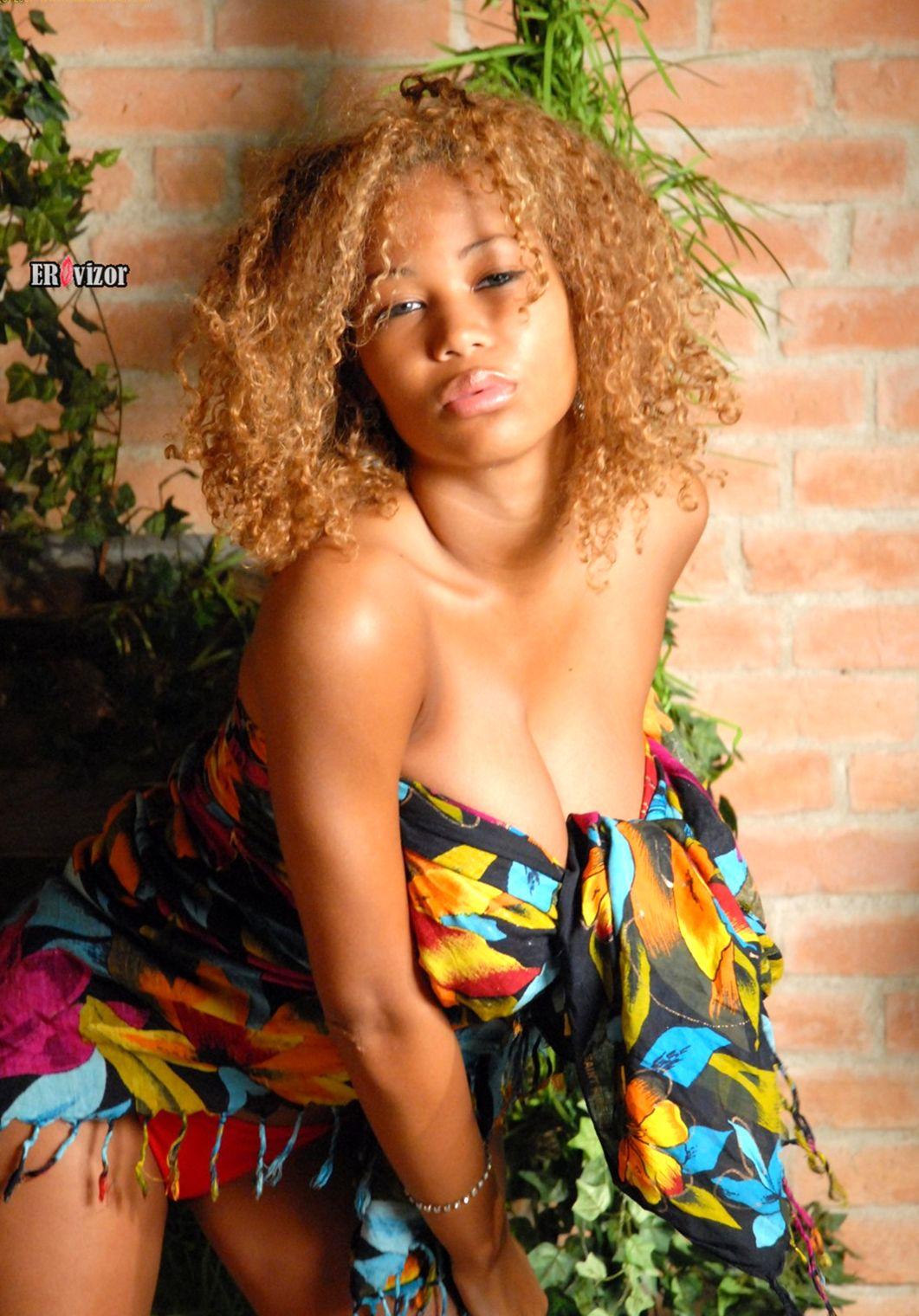 Siski-Louis-De-Mirabert-afrosexygirl (11)