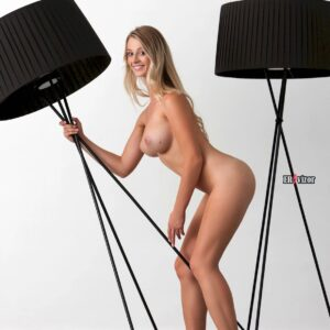 Blonde-Babe-Carisha-with-Big-Tits (8)