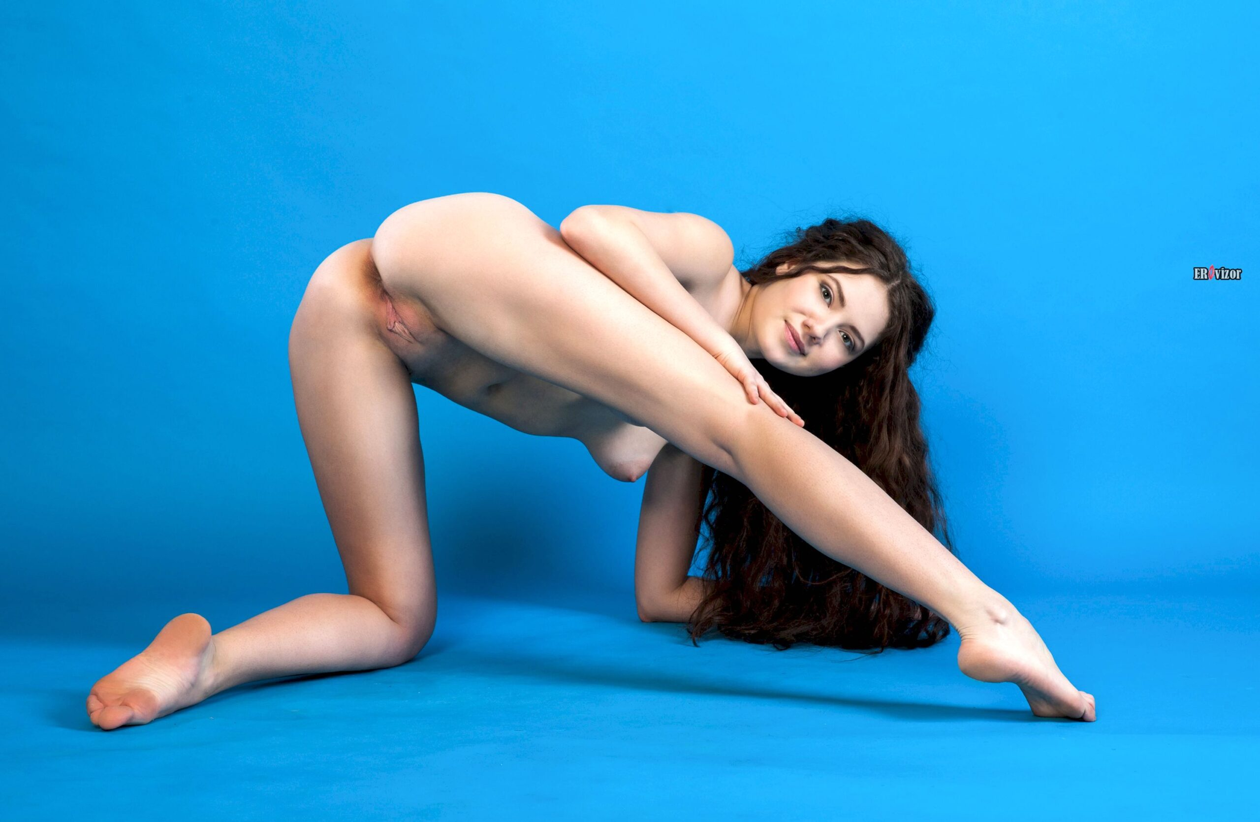 Nude-Shaved-Babe-Norma-Joel-with-Epic-Butthole-4