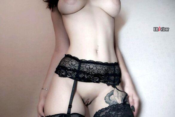 Откровенные ню фото секси няшки