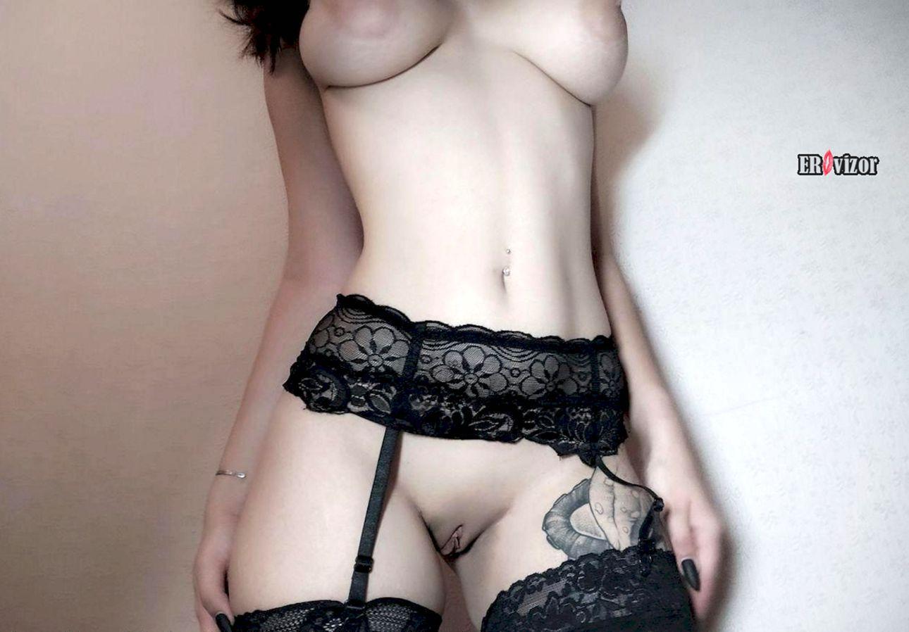 сочная сексуальная няшка с красивой большой грудью
