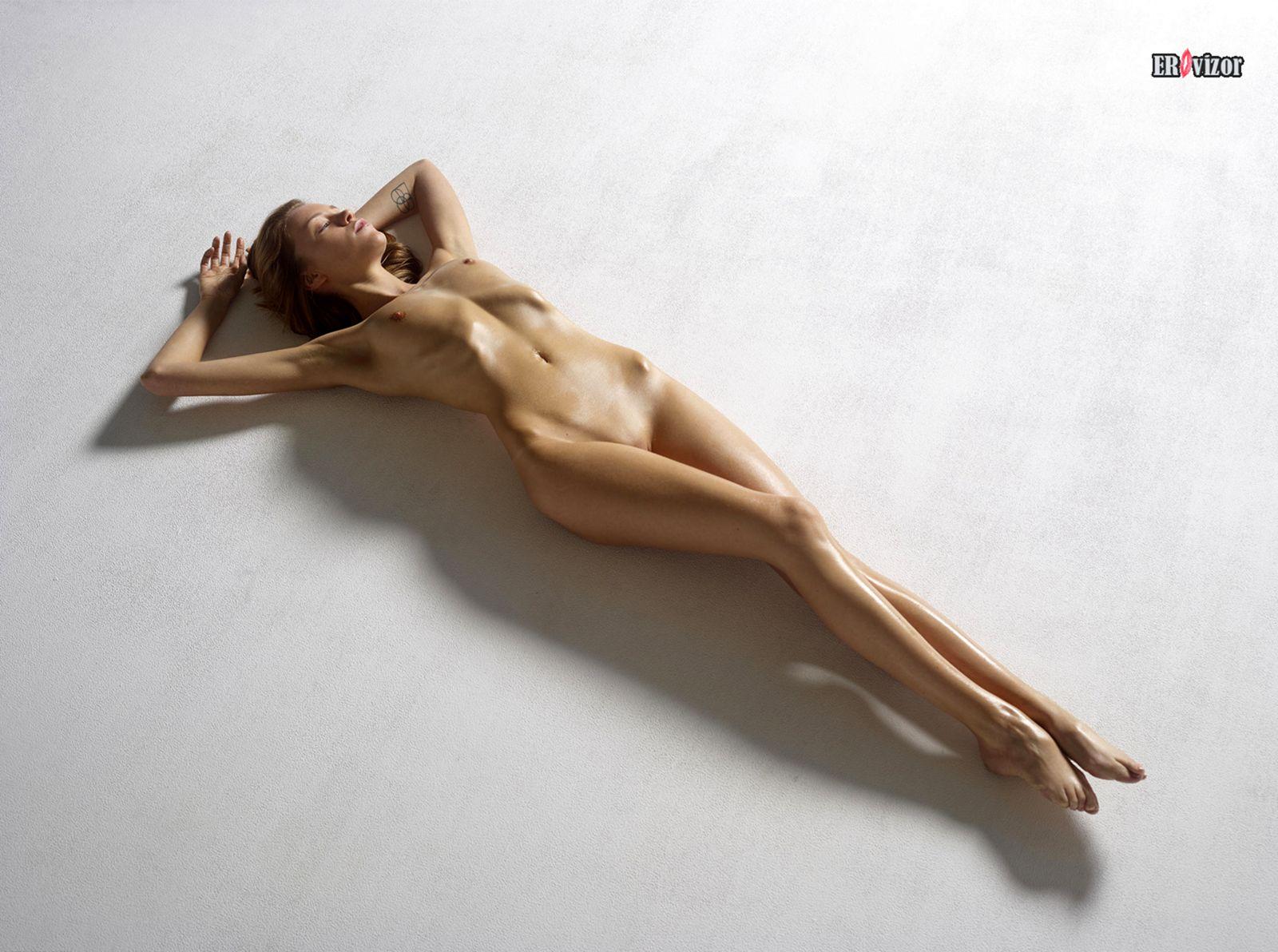 erotica_leja_na_polu (1)