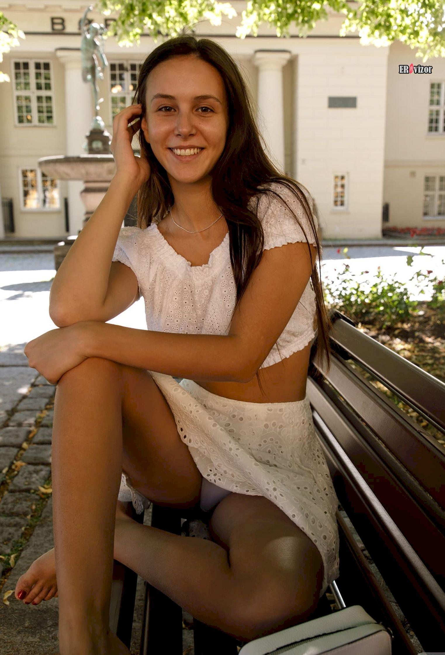Jessica-Albanka_ero_foto (4)