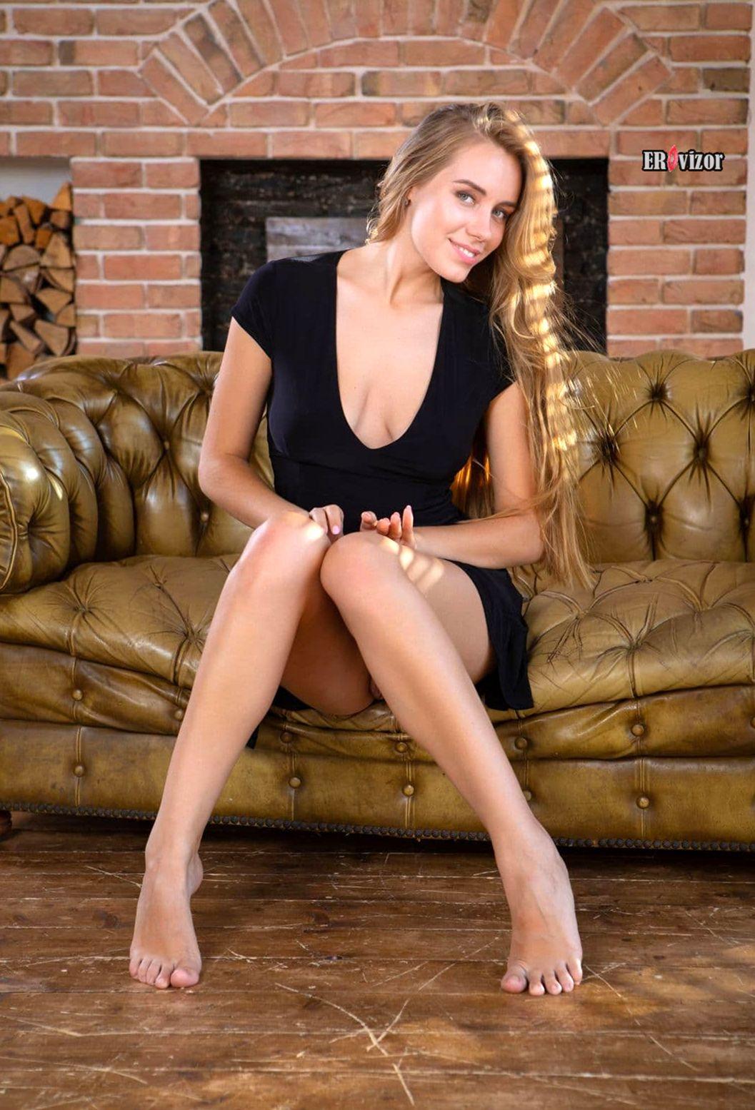 Blonde-Ryana-1 (1)