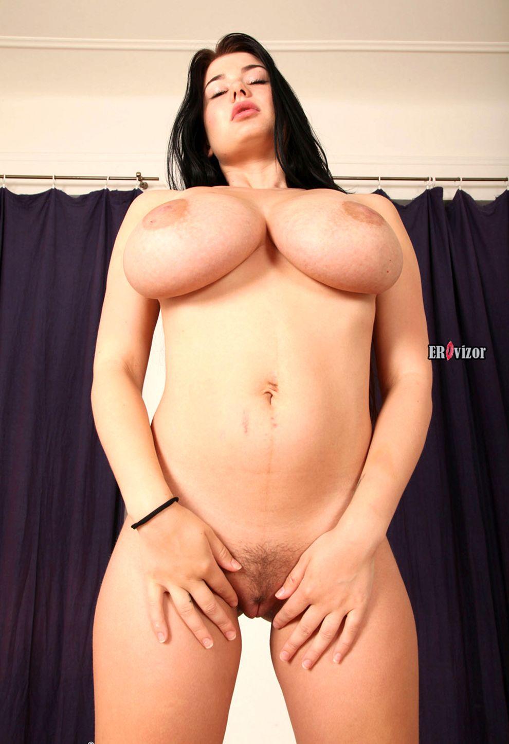 Scarlett-Lee-with-Big-Naturals-1 (12)