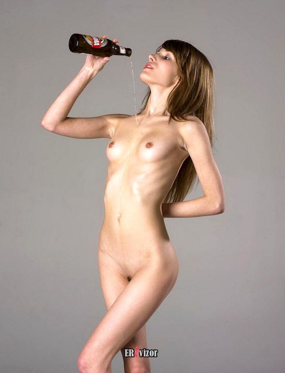 beer_naked women (15)