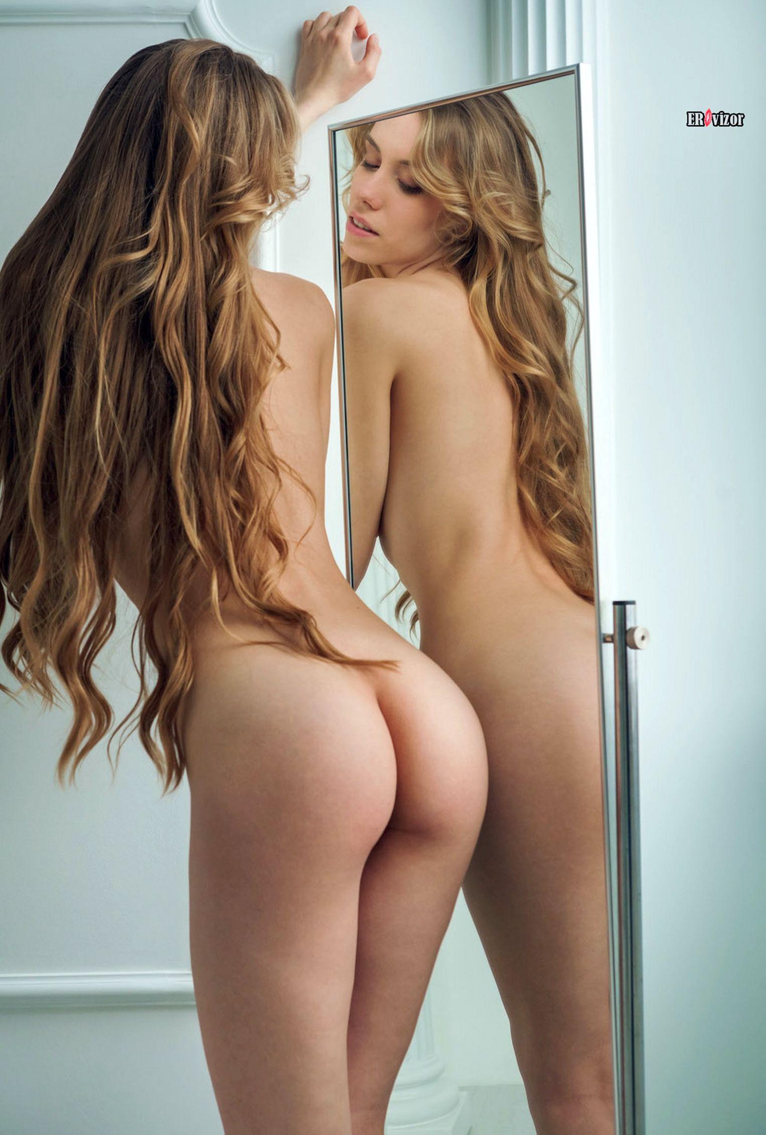 blondinka_pered_zerkalom_sexy_body (11)