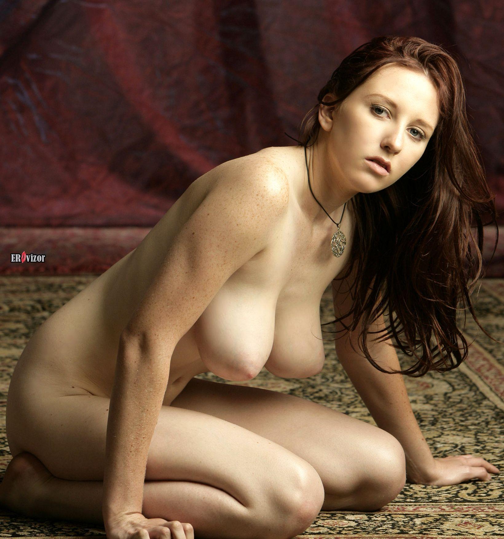 эротика женщины с большой грудью