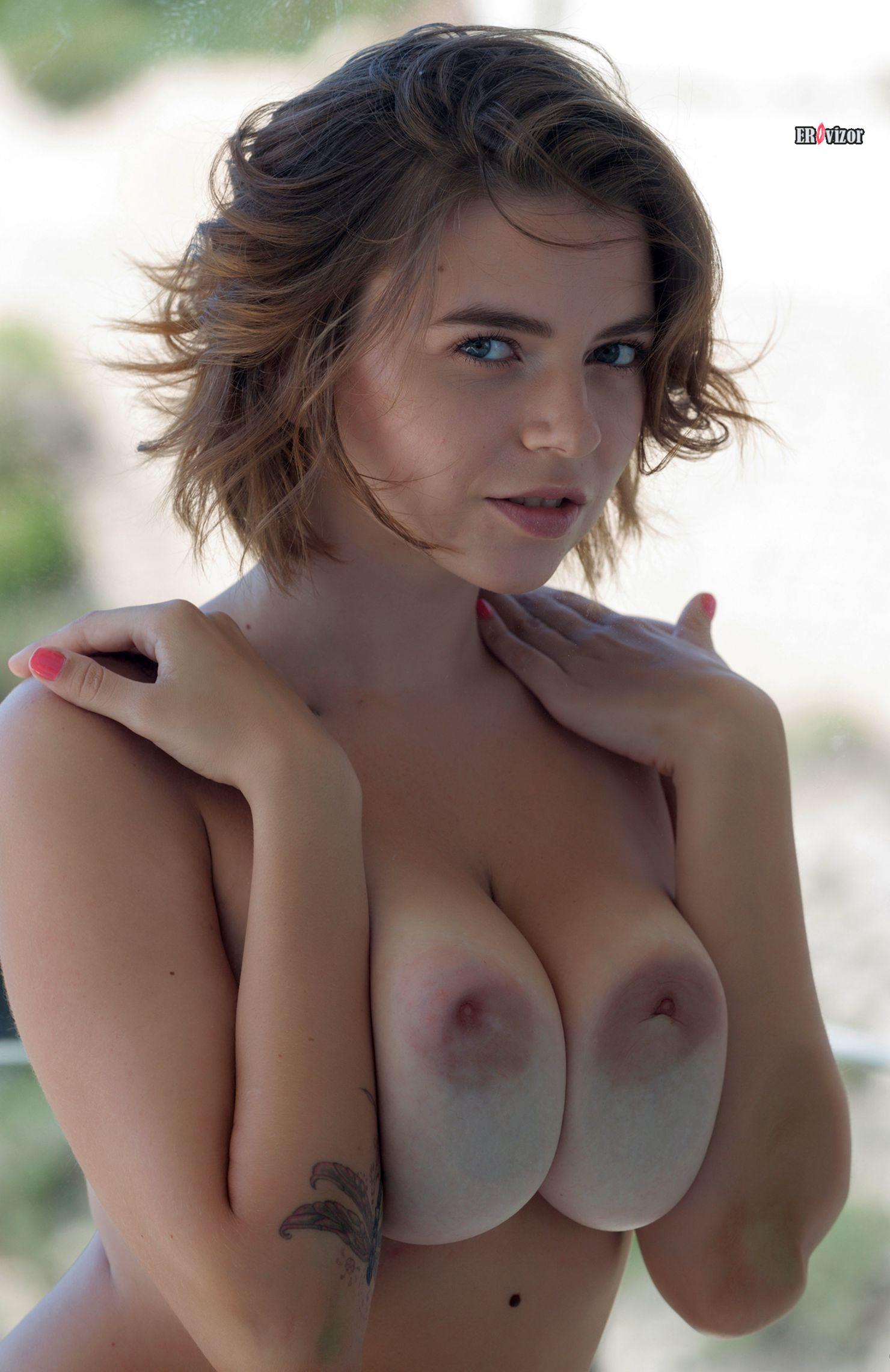 модель Mariana Visconti