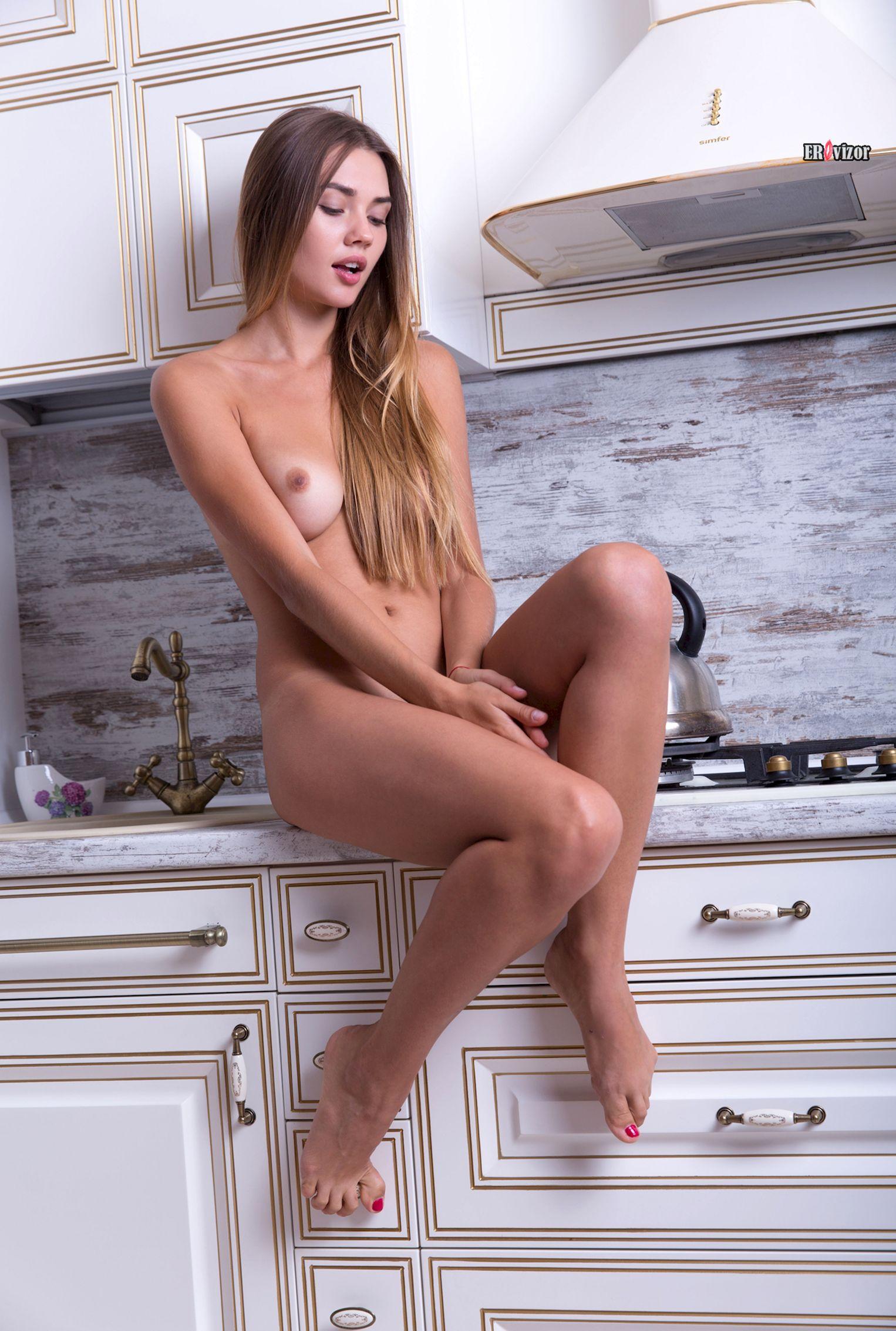 sexy_Georgia_naked_kitchen (4)