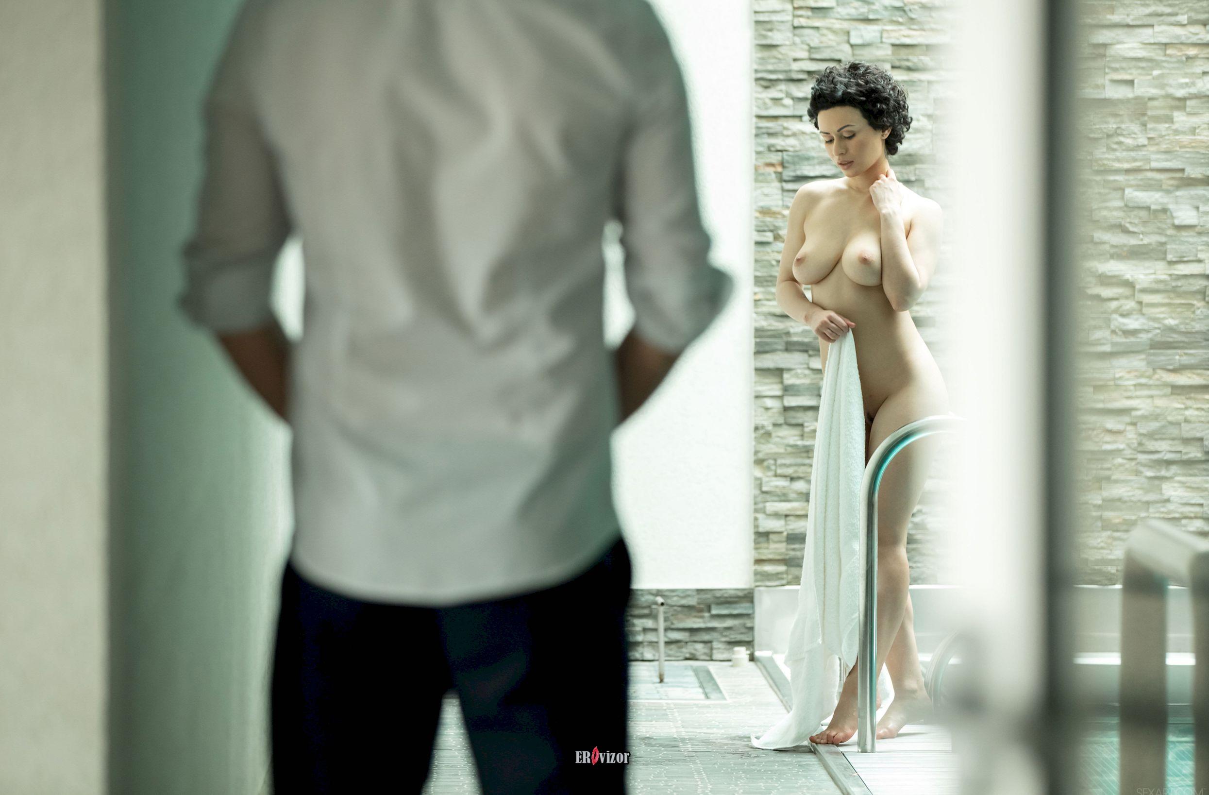 рандеву голой девушки