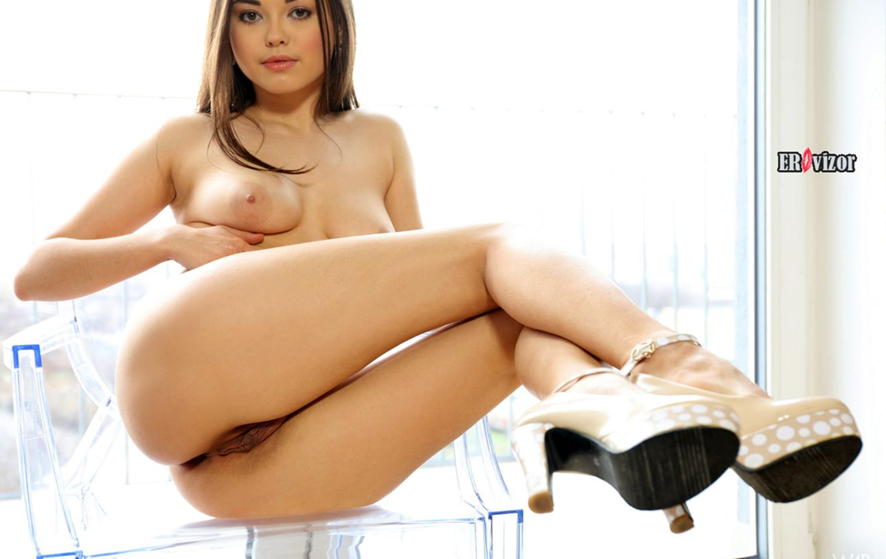 Annika-A-with-Open-Pussy-2 (9)