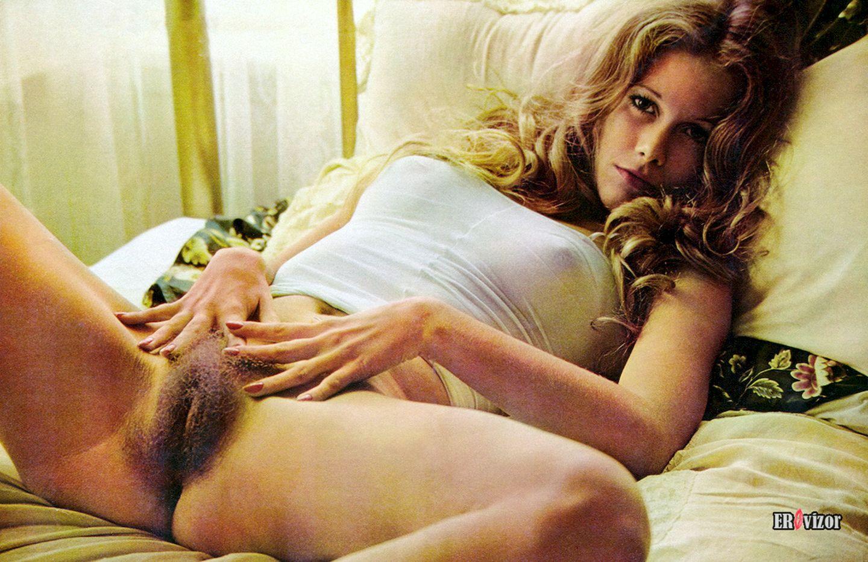 волосатая вагина ретро фото девушки