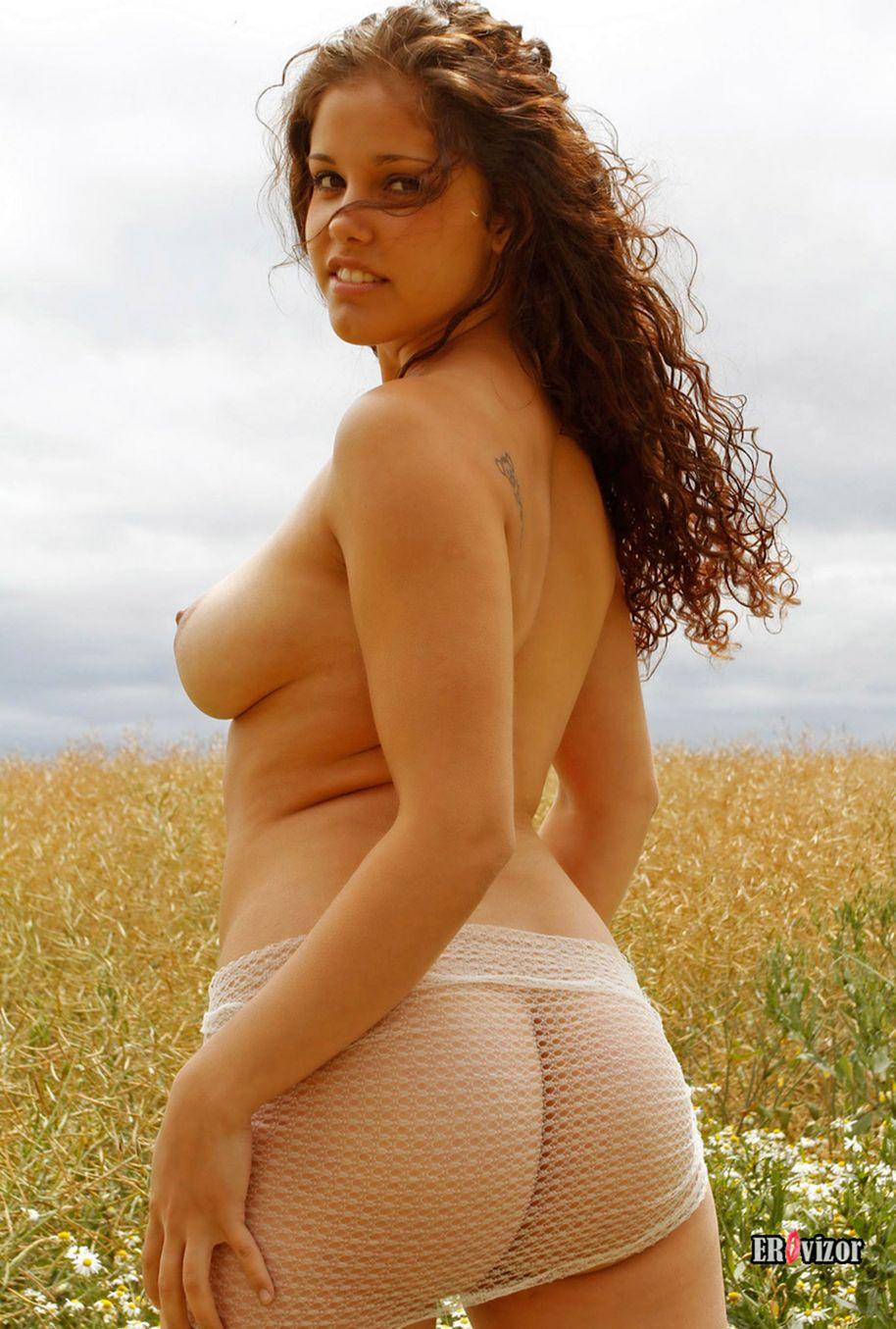 Brunette-Camellia-sexy_tits_ass (2)