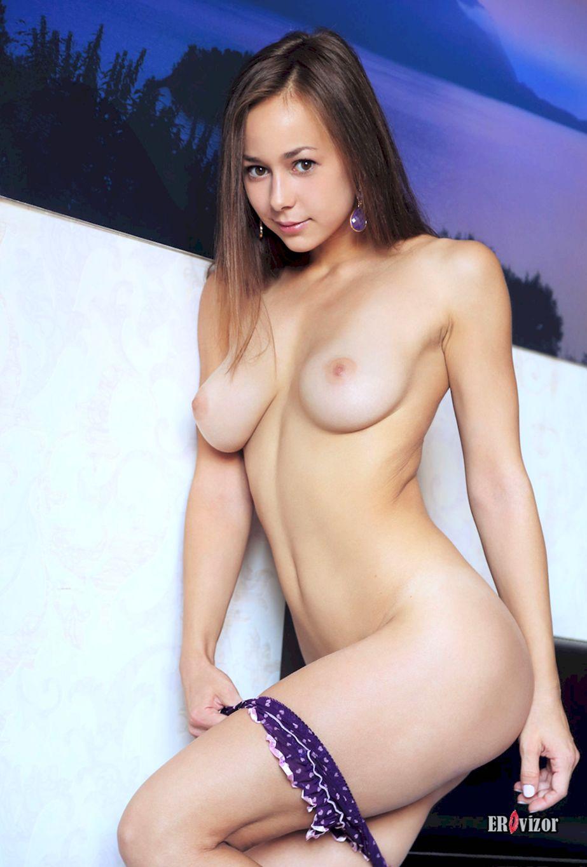sexy_model_snimaet_nijnee_belie (6)