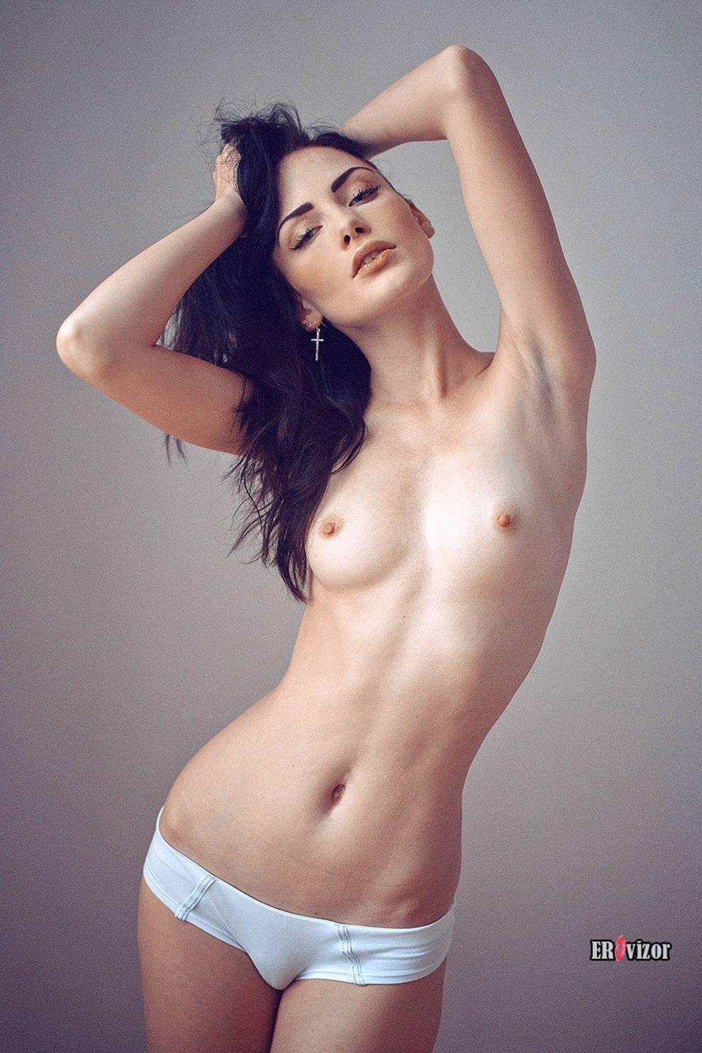 эро фото портрет девушки