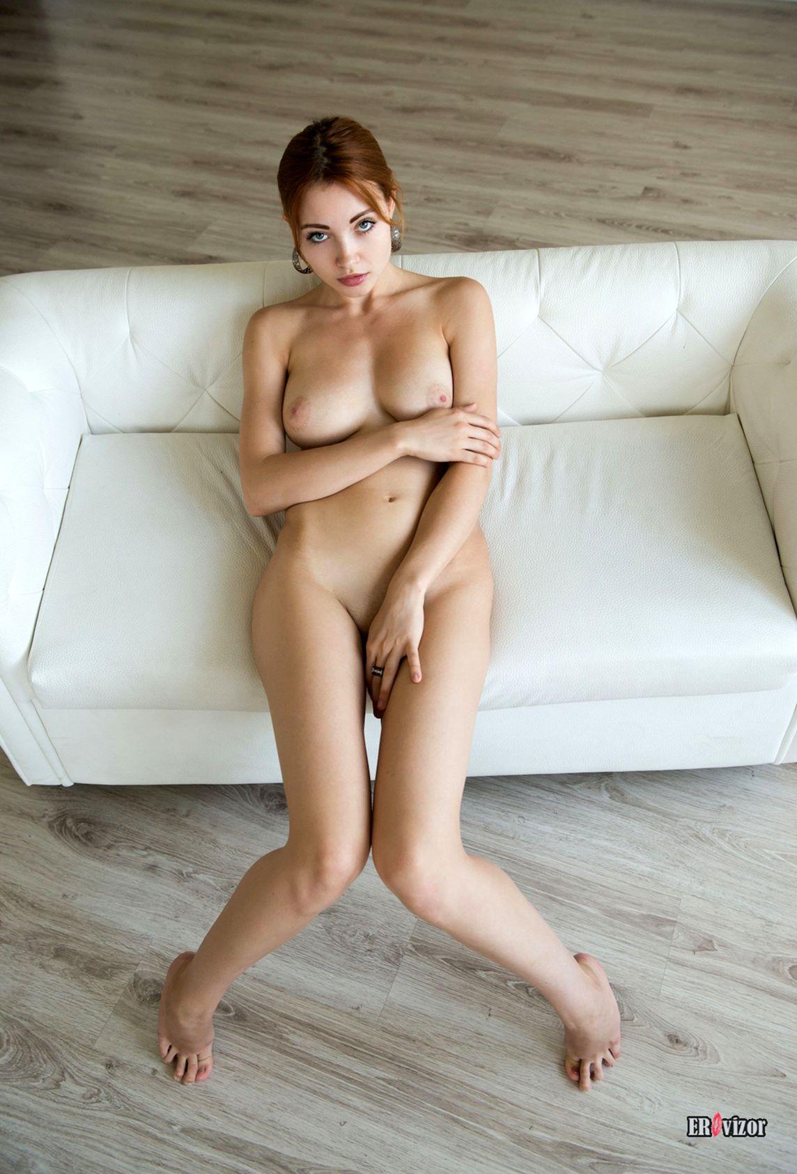 Redhead-Kika-sexy_body (1)