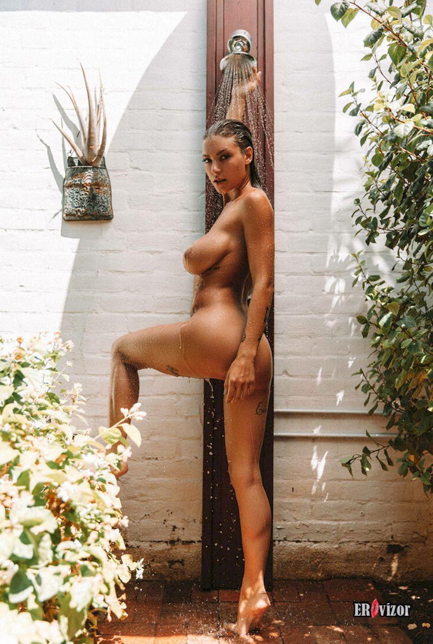 Scarletts Bod голая