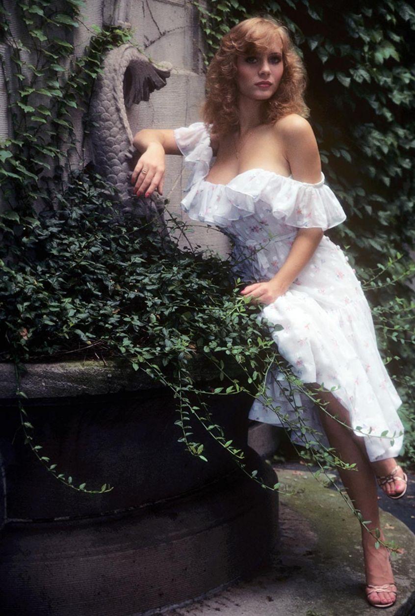 kimberly-mcarthur-playmate-january-1982-krasivie-siski-retro-vintage-playboy (7)