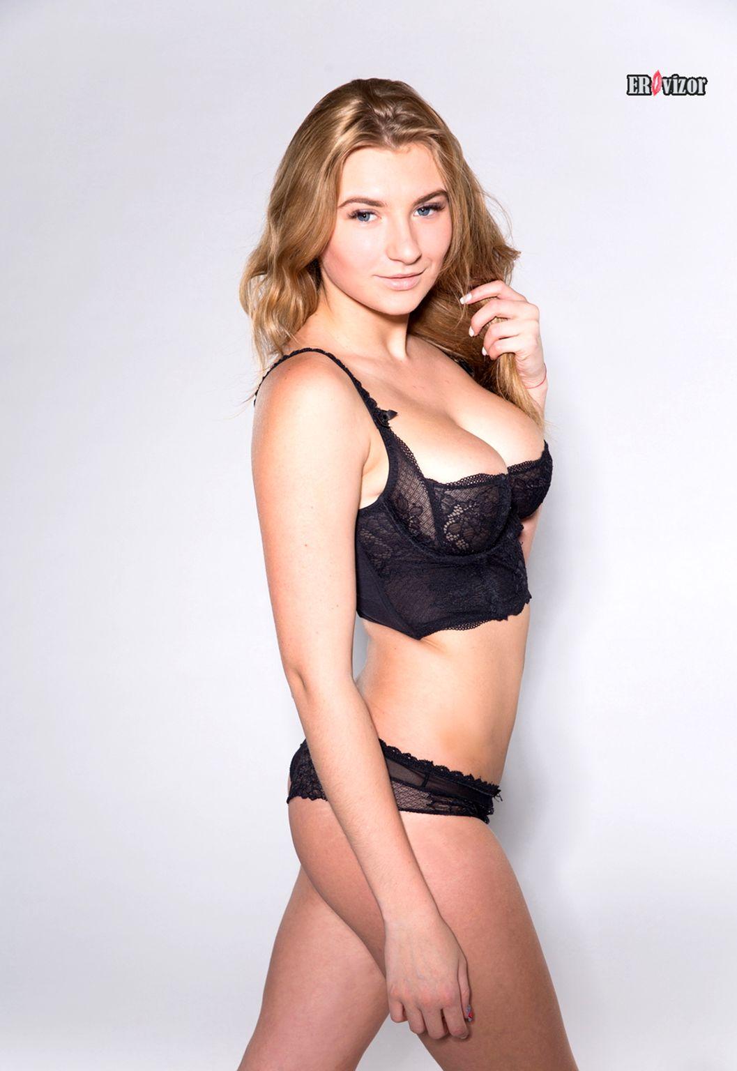 laury_ukraine_natural-tits-naked- (1)