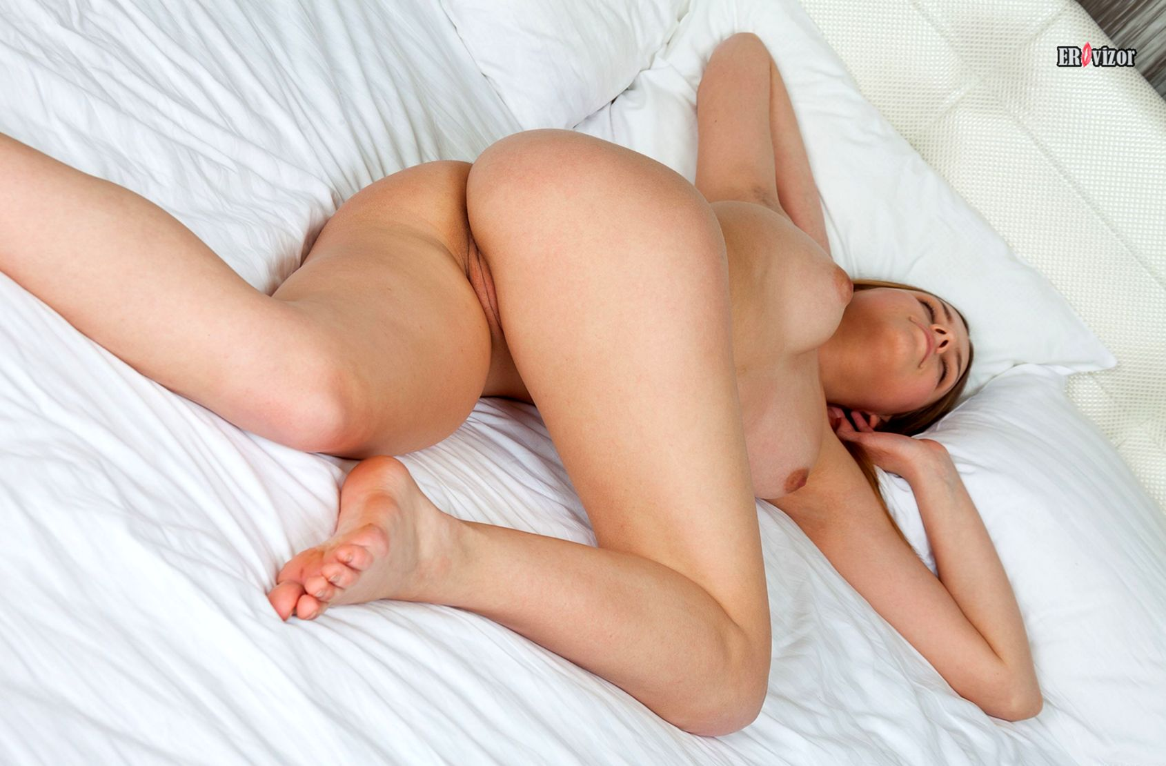 sensual_pose_beauty_women (14)