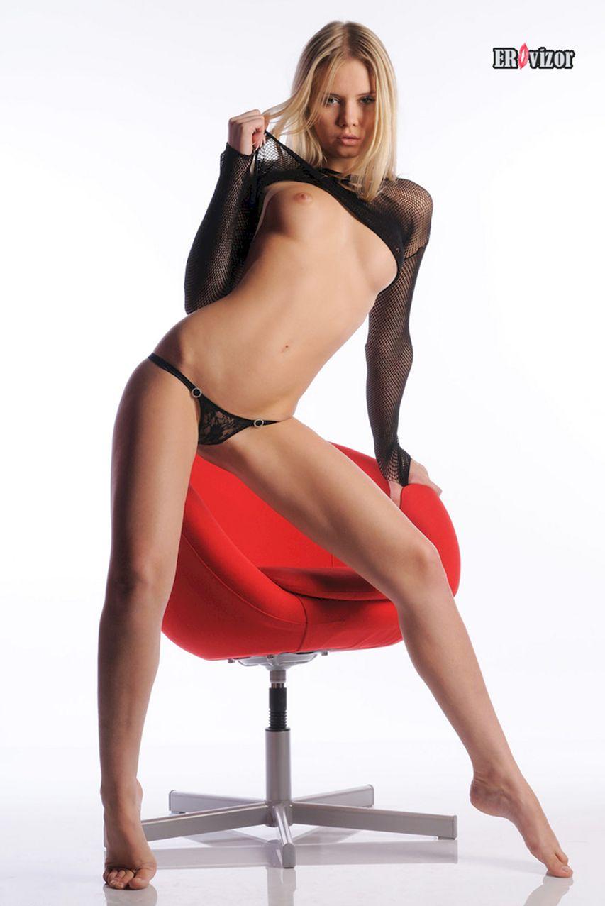Sexy_blonde_Aria-Argento_photo (3)