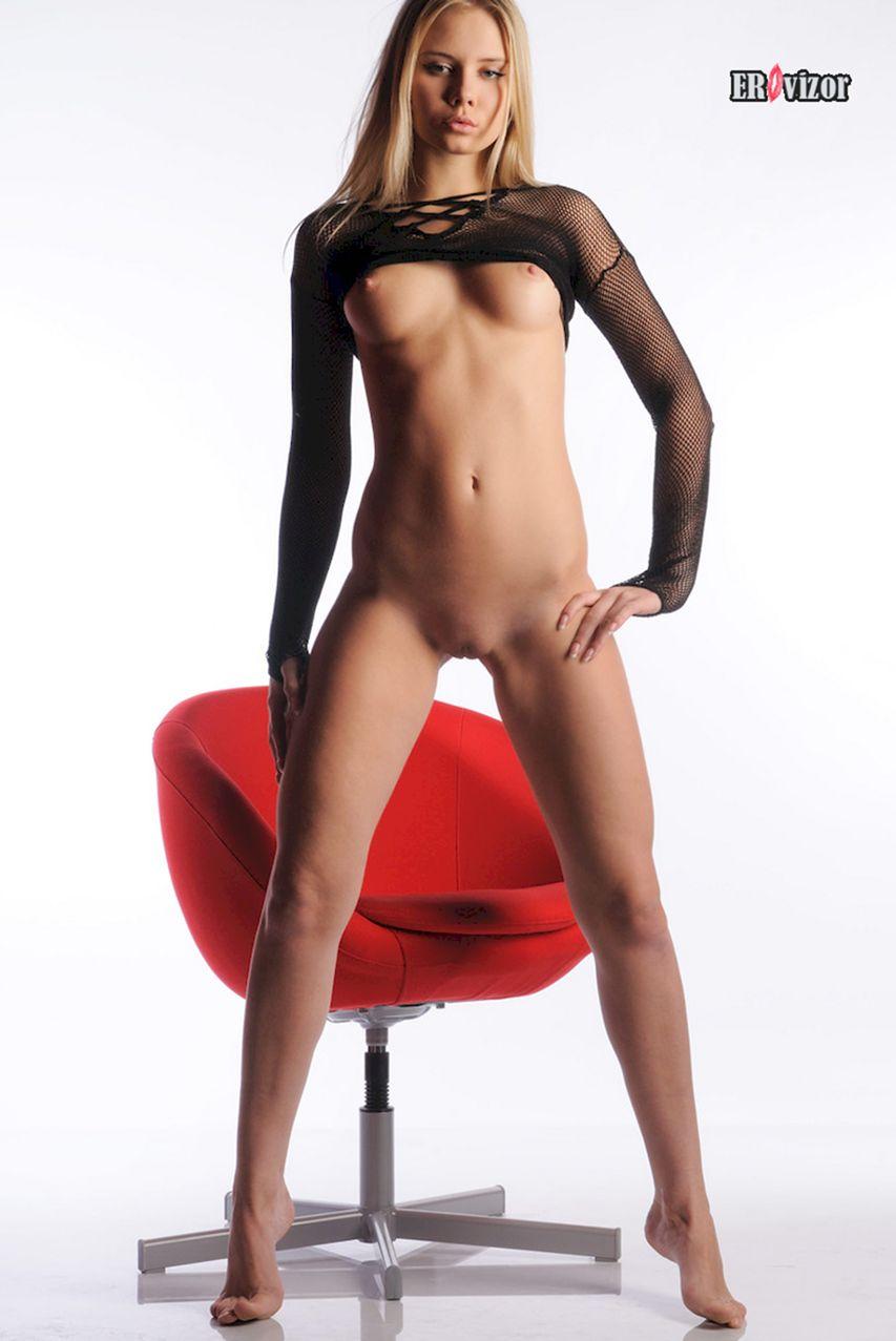 Sexy_blonde_Aria-Argento_photo (5)