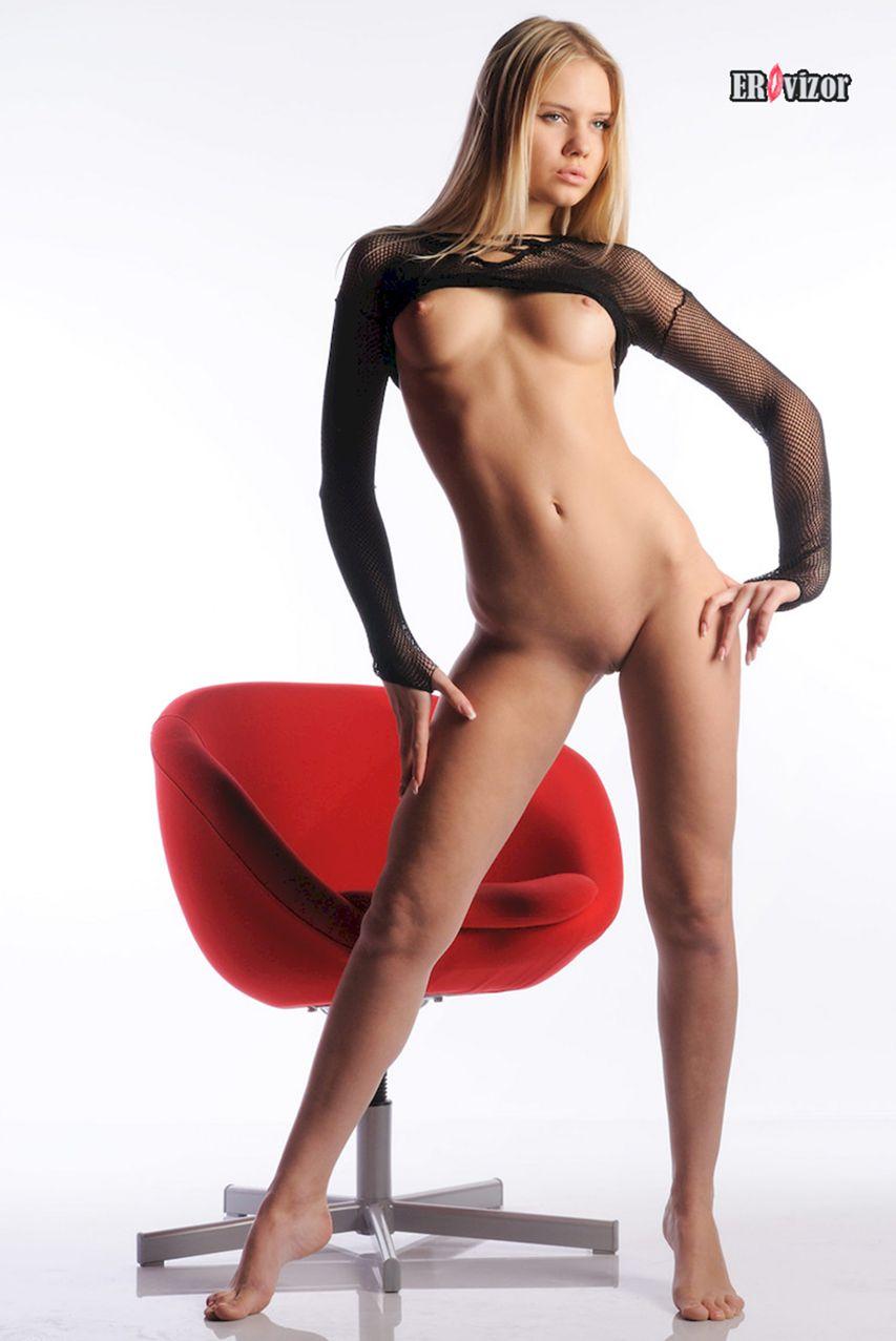 Sexy_blonde_Aria-Argento_photo (6)
